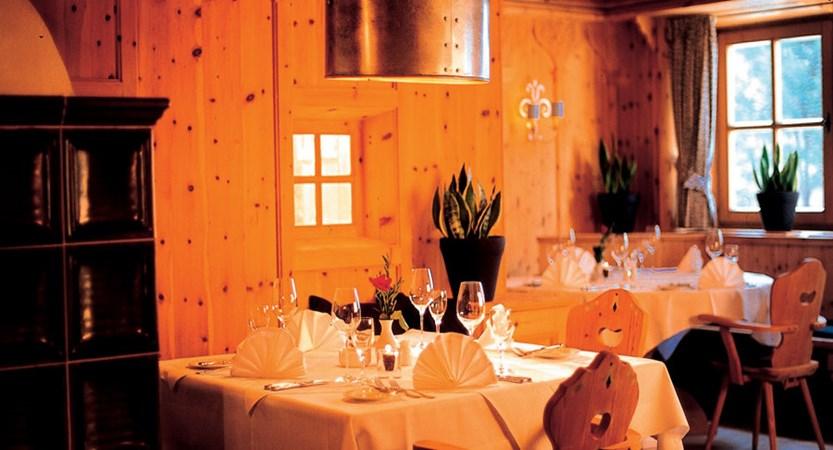 Austria_Kitzbuhel_Hotel-Schwarzer_Adler_dining.jpg