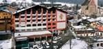 Austria_Kitzbuhel_Hotel-Tiefenbrunner_Exterior-winter.jpg