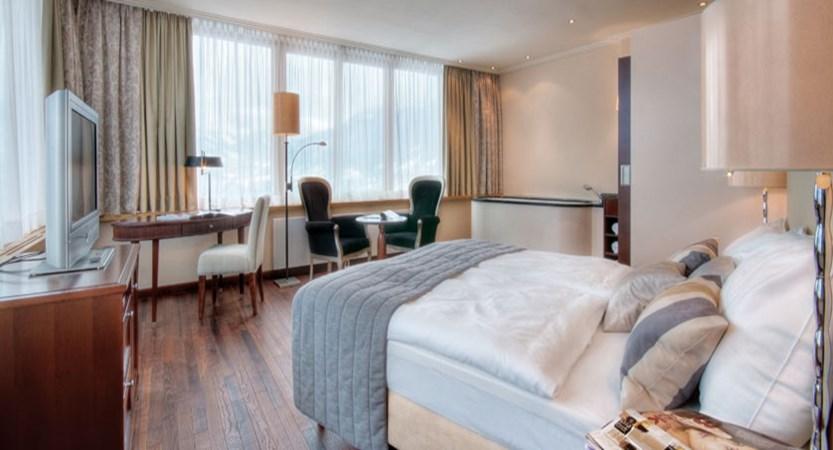 austria_kitzbuhel_hotel-schloss-lebenberg_bedroom2.jpg