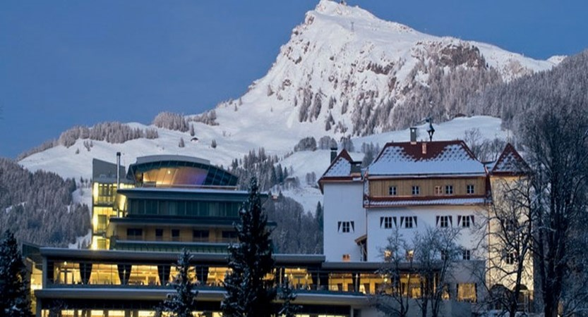 Austria_Kitzbuhel_Hotel-schloss-lebenberg_exterior-evening.jpg