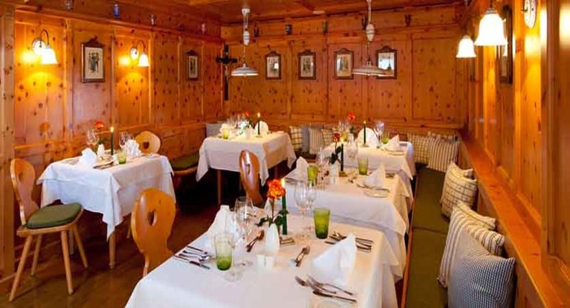 austria_kitzbuhel_hotel-kaiserhof_stube.jpg