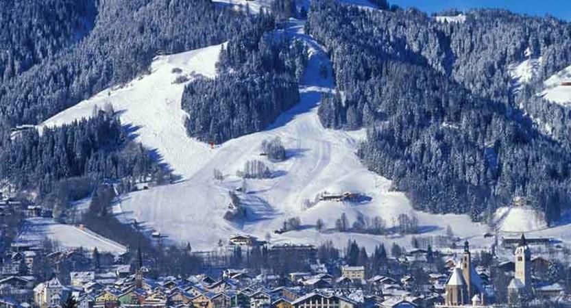 austria_kitzbuhel-alps_kitzbuhel_town-resort-view.jpg