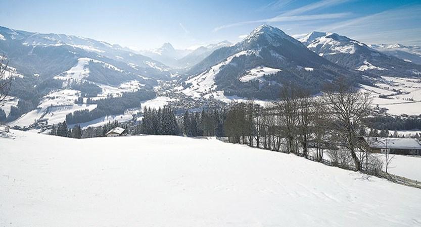 Austria_Kitzbuhel-Alps_Kirchberg.jpg