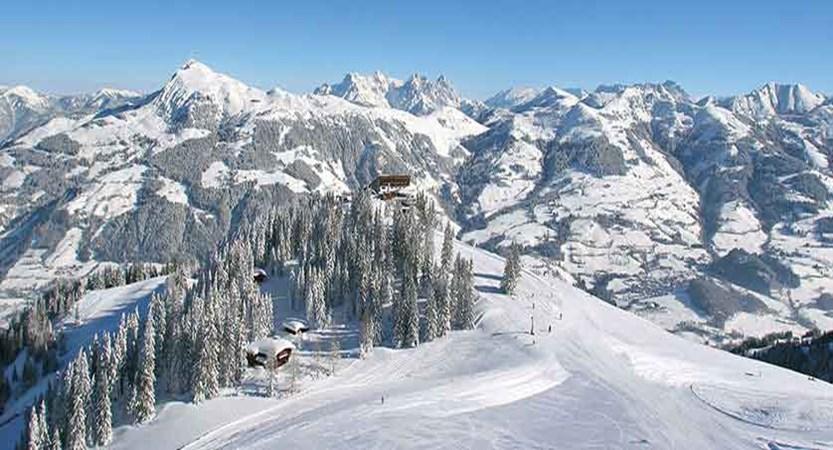 Austria_Kitzbuhel-Alps_Kitzbuhel.jpg