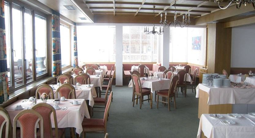 austria_kuhtai_chalet-hotel-elisabeth_dining.jpg