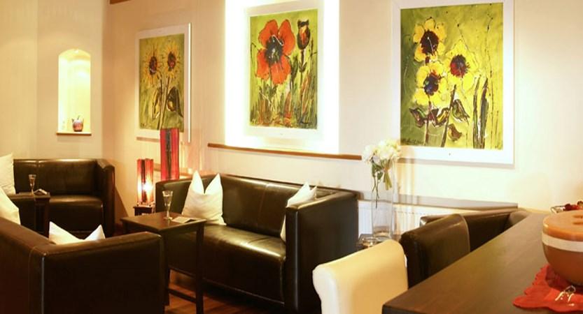 austia_kuhtai_alpen-residenz-mooshaus_lounge.jpg