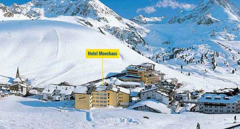 Austria_Kuhtai_Alpen-Residenz-Mooshaus_Exterior-valley-winter.jpg