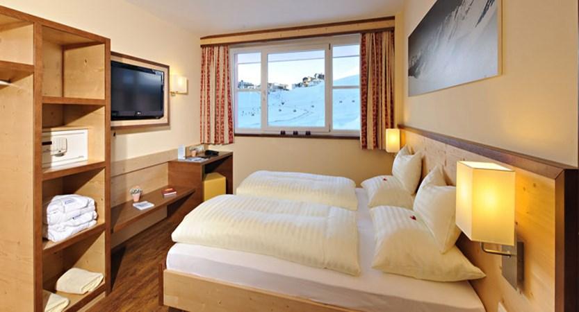 austria_kuhtai_hotel-alpenrose_bedroom2.jpg
