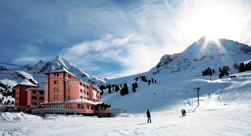 Austria_Kuhtai_Hotel-Alpenrose_Exterior-winter.jpg