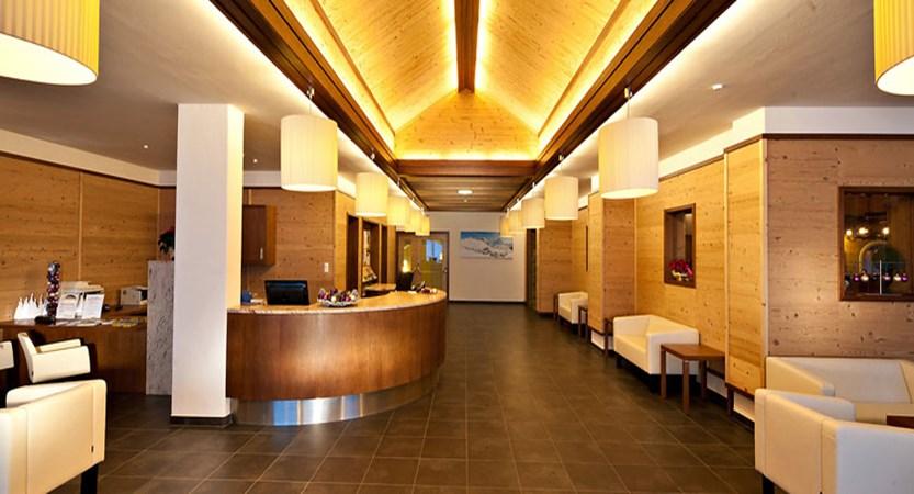 austria_kuhtai_hotel-alpenrose_reception-lobby-lounge.jpg