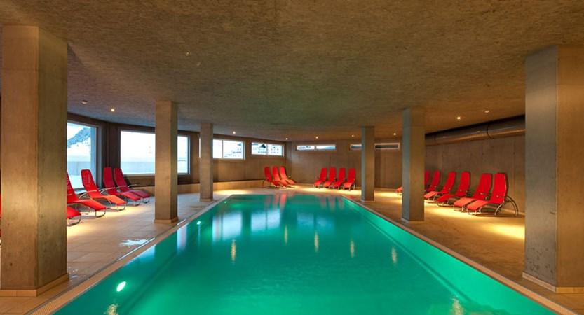 Austria_Kuhtai_Hotel-Alpenrose_Terrace-winter2.jpg