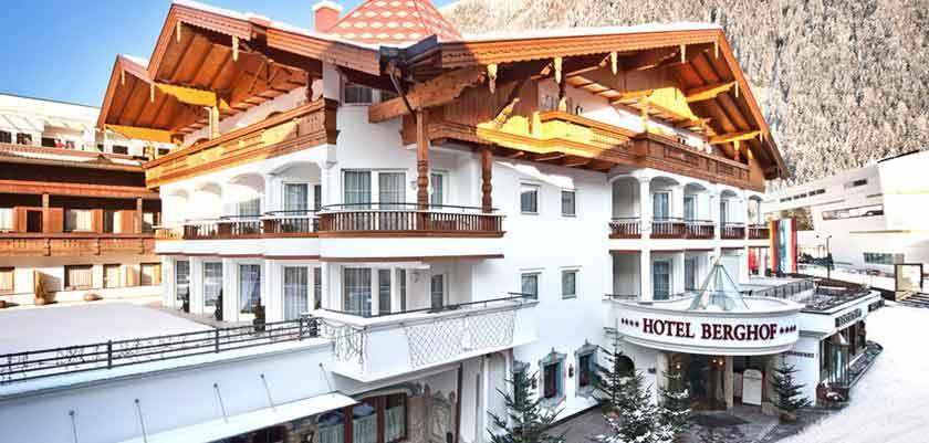 Austria_Mayrhofen_hotel_berghof_exterior.jpg