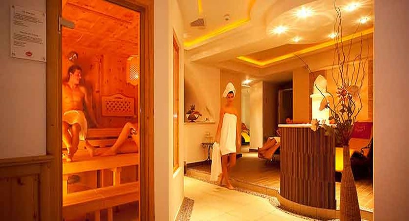 Austria_Mayrhofen_hotel_berghof_sauna.jpg