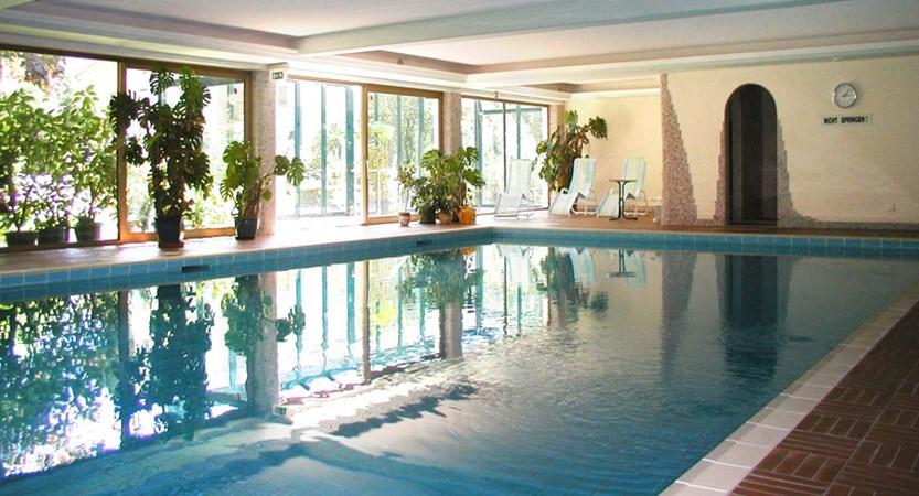 Austria_Mayrhofen_hotel_strolz_indoor Pool.jpg