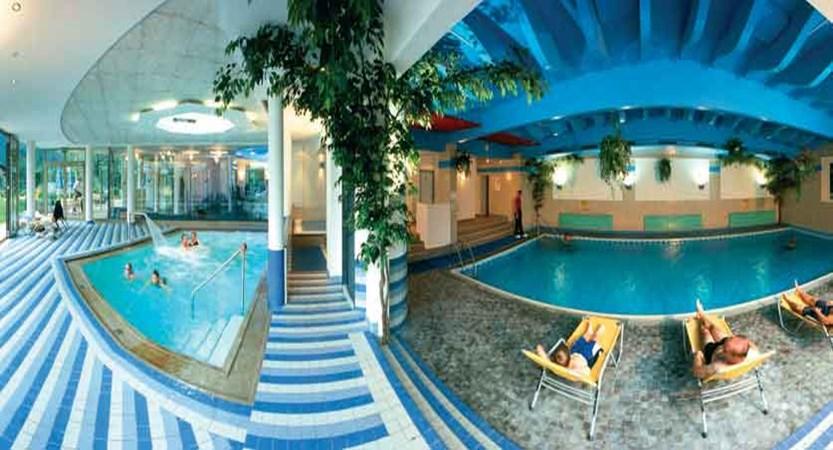 Austria_Mayrhofen_Sporthotel-Strass_Indoor-pool-area.jpg