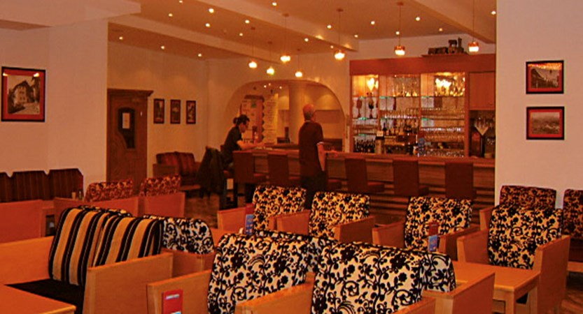 austria_mayrhofen_sporthotel-strass_new-lounge.jpg