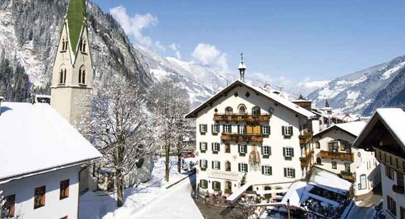 Austria_Mayrhofen_Alpenhotel-Kramerwirt_Exterior-winter.jpg