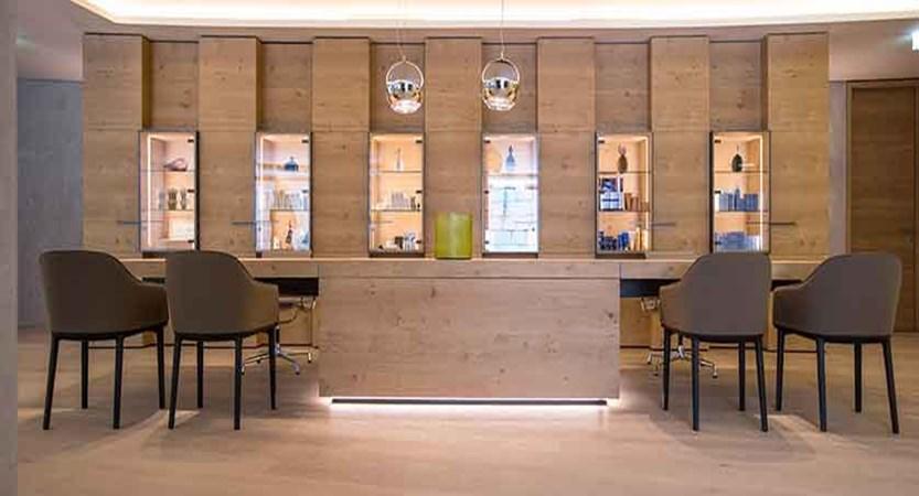 Austria_Mayrhofen_Elisabeth-Hotel_Reception.jpg