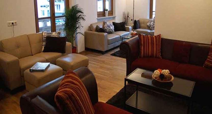 austria_mayrhofen_chalet-tirol-lounge-area.jpg
