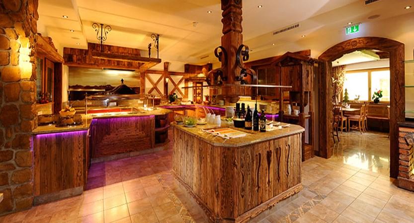 Austria_Mayrhofen_Hotel-Rose_Buffet.jpg