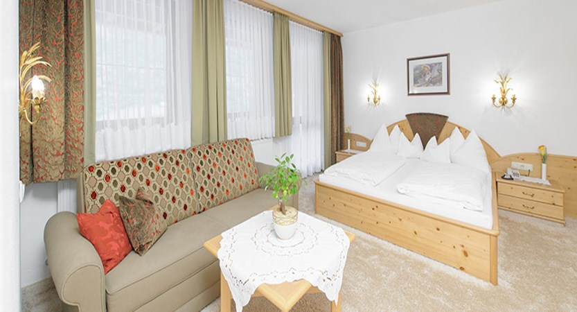 Austria_Obergurgl_Hotel_Olympia_Junior-Suite.jpg