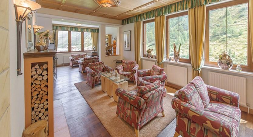 Austria_Obergurgl_Hotel_Olympia_Lounge-area.jpg