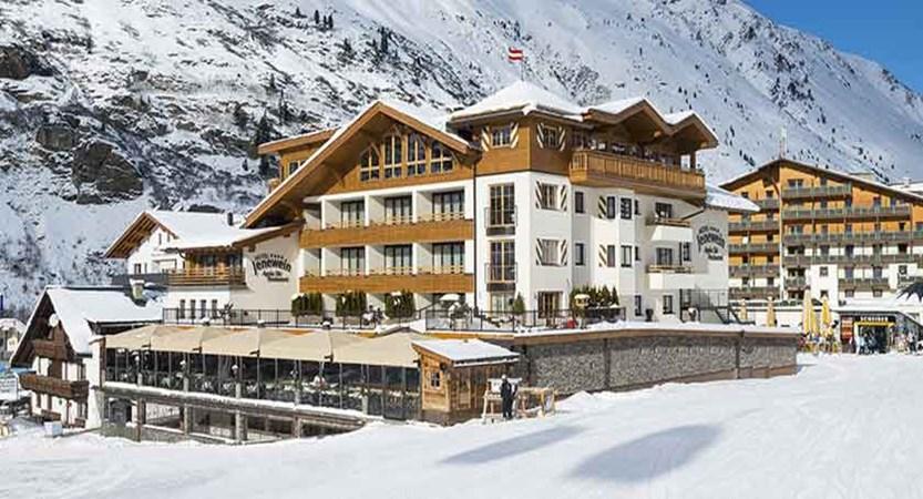 Austria_Obergurgl_Hotel_Jenewein_exterior2.jpg