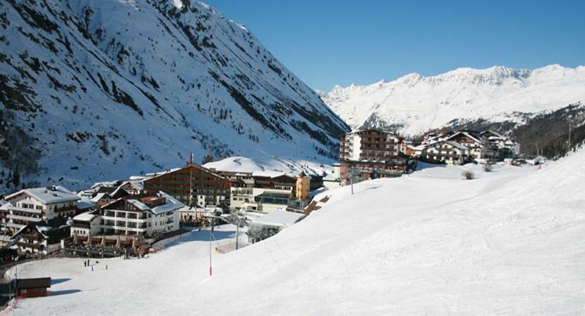 Austria_Obergurgl_Hotel-Gottard_slopes_view.jpg