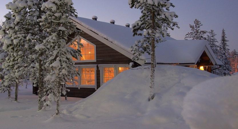 Lapland_Ylläs_Log_Cabins_exterior.jpg