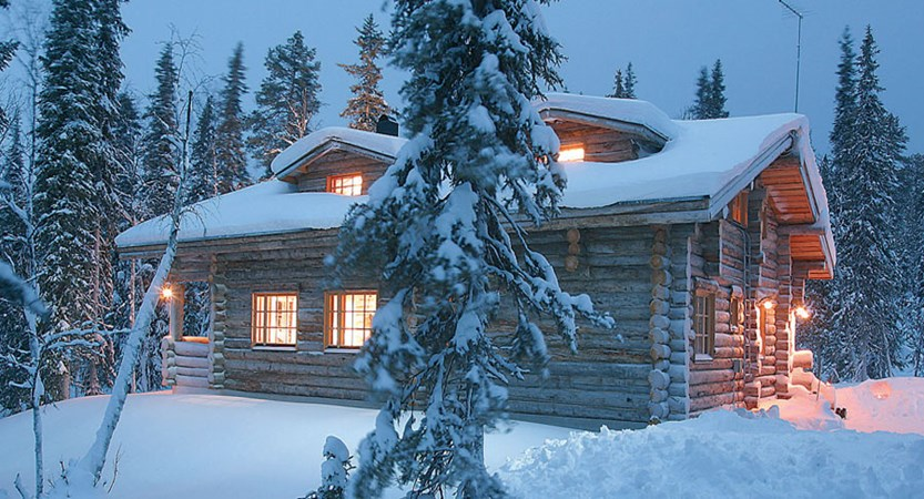 Lapland_Ylläs_Log_Cabins_twilight.jpg