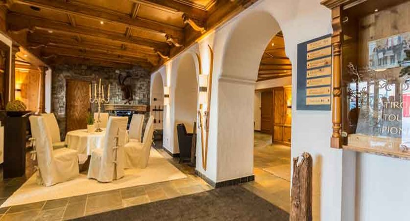 Austria_Obergurgl_Hotel-Edelweiss-&-Gurgl-lobby.jpg