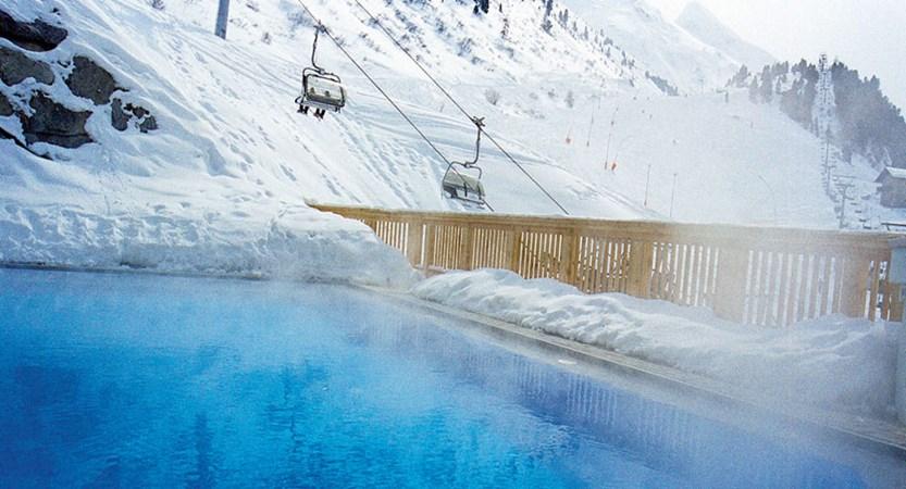 Austria_Obergurgl_Hotel-Edelweiss-&-Gurgl-outdoor-pool.jpg