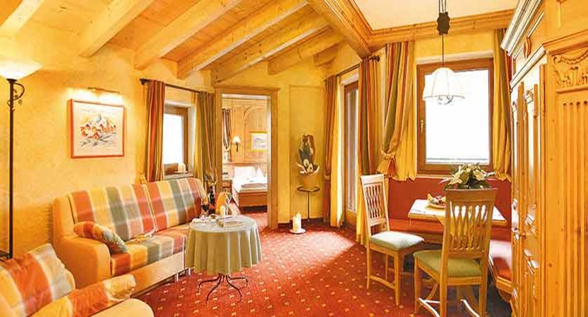 Austria_Obergurgl_Hotel-Edelweiss-Gurgl-bedroom-suite.jpg