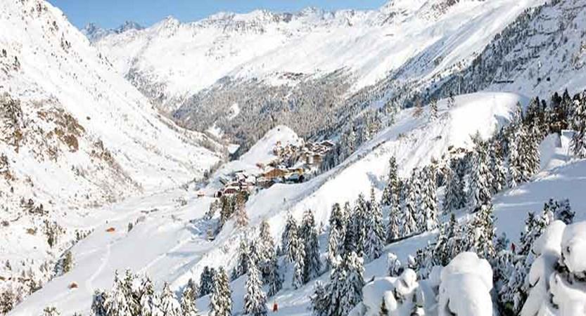 Austria_Obergurgl_winter_view.jpg