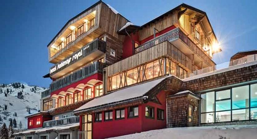 Austria_Obertauern_Hotel-Kohlmayr-Royal_exterior-at-night.jpg