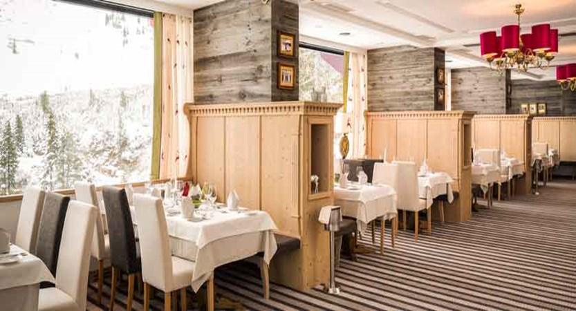 Austria_Obertauern_Hotel-Kohlmayr-Royal_panorama-restaurant.jpg