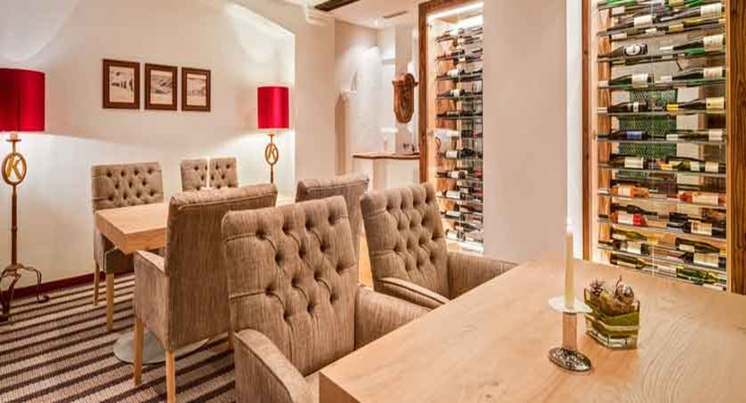 Austria_Obertauern_Hotel-Kohlmayr-Royal_wine-lounge.jpg