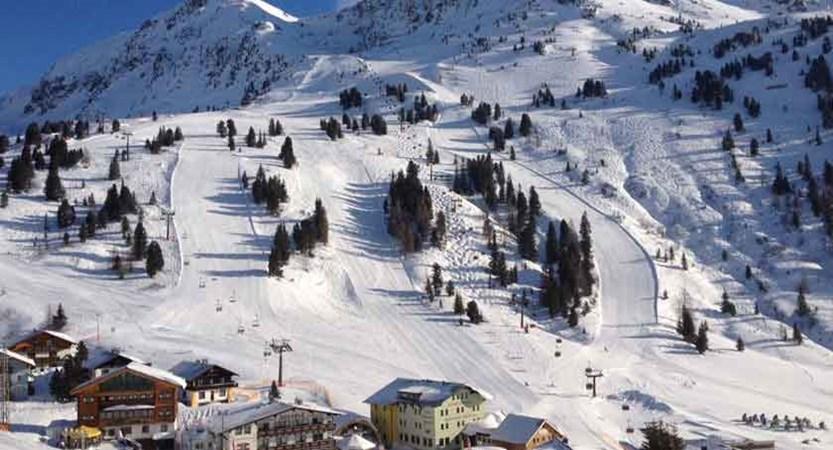 austria_obertauern_resort-view.jpg
