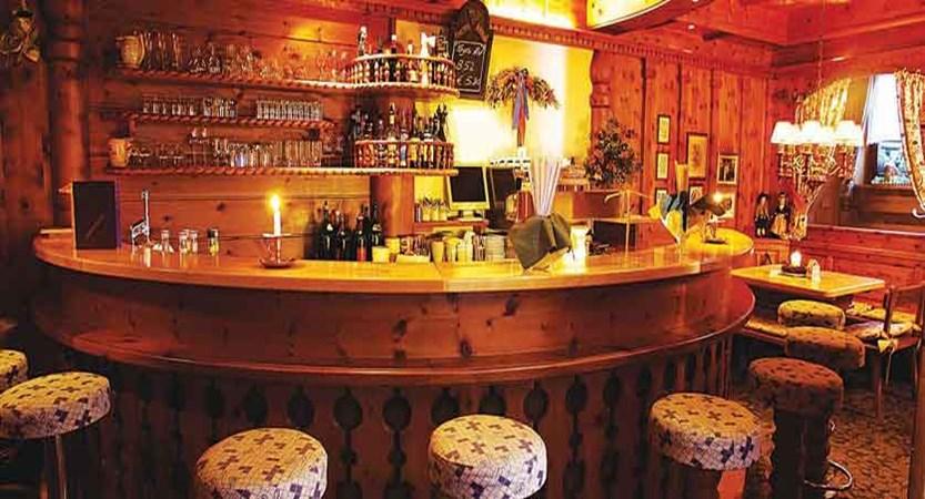 Austria_Hinterglemm_Hotel_Sonnblick_bar.jpg