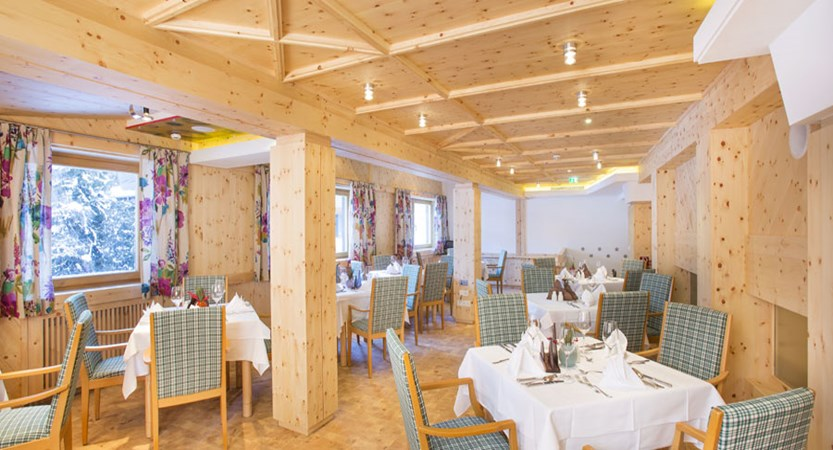 Austria_Hinterglemm_Hotel-Glemmtalerhof_Dining-room.jpg
