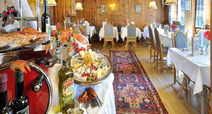 austria_hinterglemm_zur-dorfschmiede_dining-room.jpg
