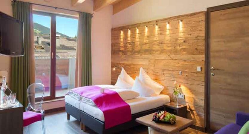 austria_saalbach_hotel-sonne_bedroom.jpg