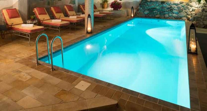 austria_saalbach_hotel-sonne_indoor-pool.jpg