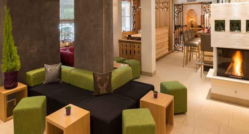 austria_saalbach_hotel-sonne_lobby.jpg