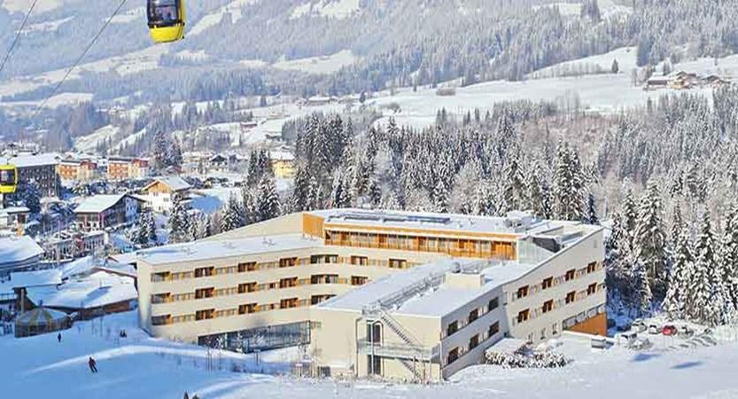 Austria_Fieberbrunn_Austria-trend-hotel-alpine-resort_Exterior-winter.jpg