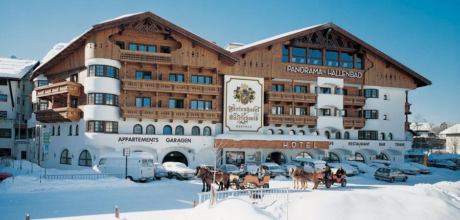 Austria_Seefeld_Fereinhotel-Kaltschmid_Exterior-winter.jpg