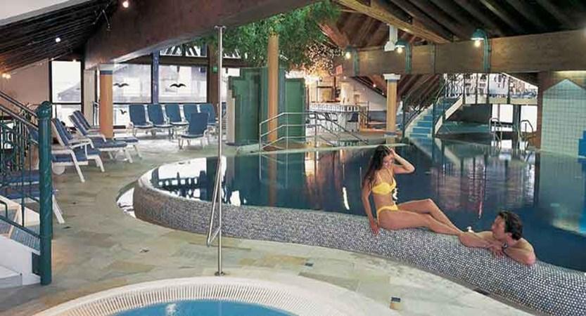 Austria_Seefeld_Fereinhotel-Kaltschmid_Indoor-pool-jacuzzi.jpg