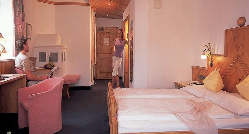 Austria_Seefeld_Family-resort-Alpenpark_Bedroom.jpg