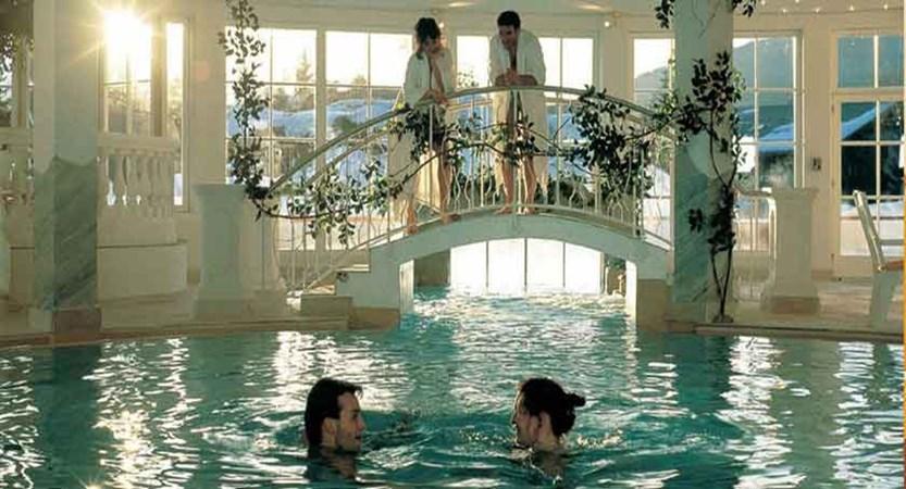 Austria_Seefeld_Family-resort-Alpenpark_indoor-pool.jpg
