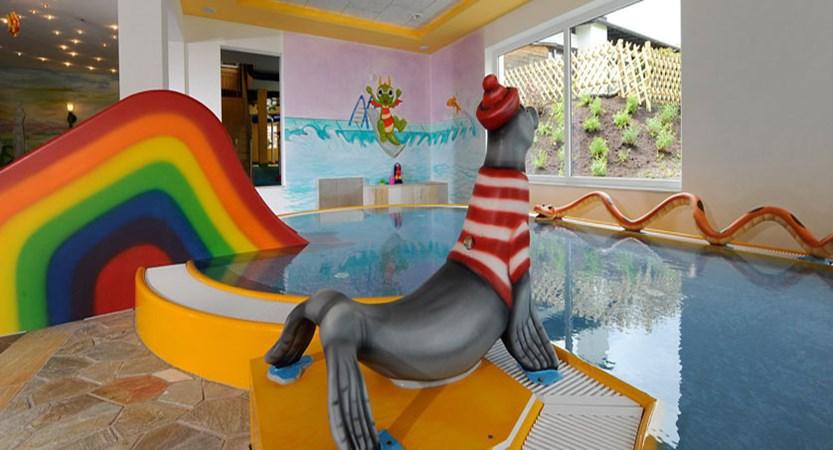 austria_seefeld_family-resort-alpenpark_pool.jpg